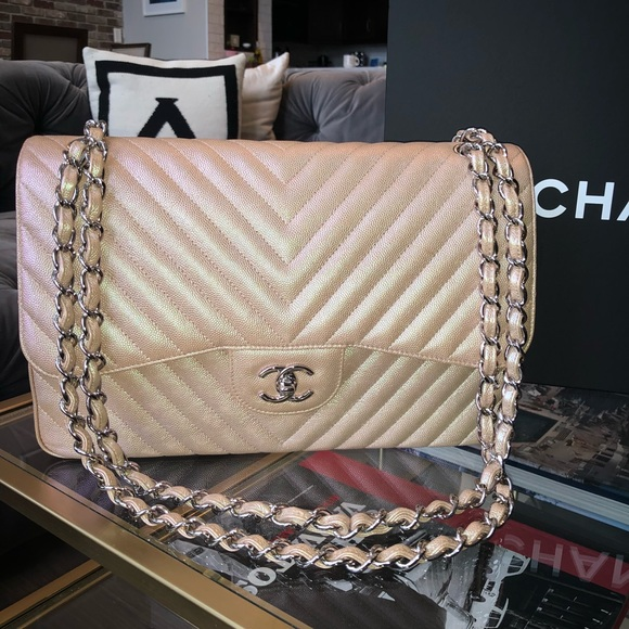 CHANEL Bags   Iridescent Light Rose Gold Chevron Jumbo   Poshmark 3dd3e056bc1